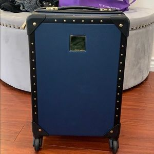 Vince Camuto carry-on size luggage